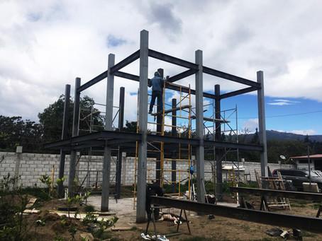 Construcción con estructura metálica. Diseño,cálculo, planificación y montaje de obra gris con siste
