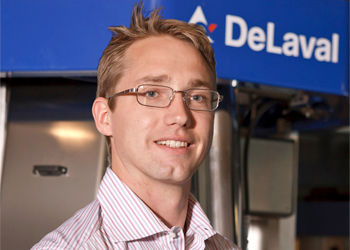 DeLaval worker