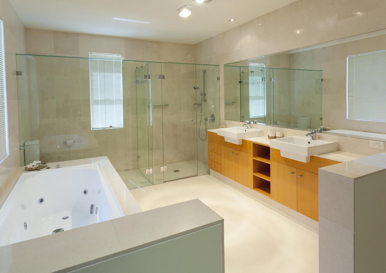 LIME STONE BATHROOM