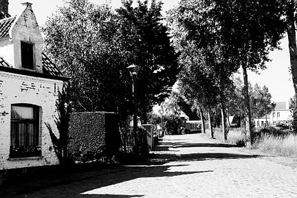 Black and White photography, shot on the cemetry in the Westhoek