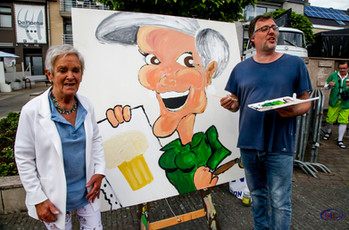 Live reuze karikatuurtekenen tijdens Breughelfeest in Rekkem 2019