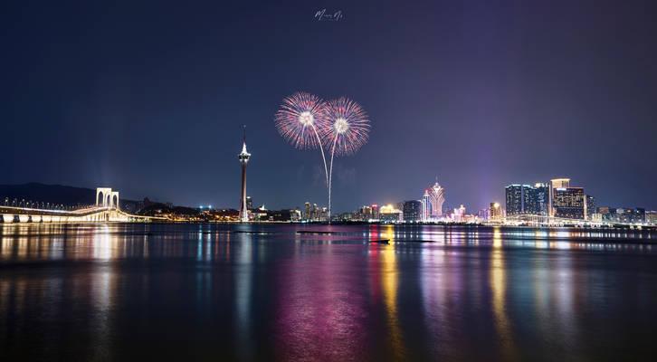 20191005-iQ3_Murphy_Firework_16x9-000013