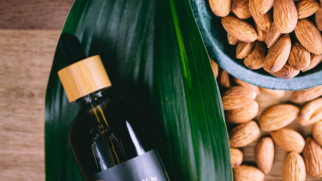 Organic Cold-Pressed Sweet Almond Carrier Oil
