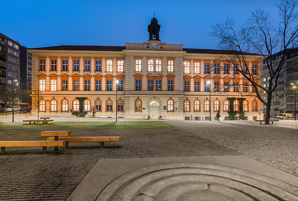 GMHS - Komenského nám.400/9, Prague 3