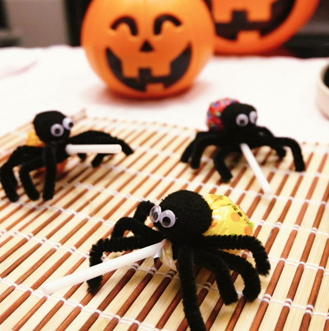 zanflare-how to make lollipop spiders