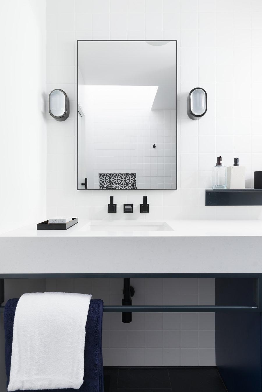 vanity close