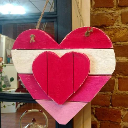 valentinespalletheart