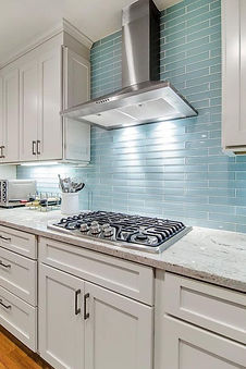 glassbacksplash.jpg