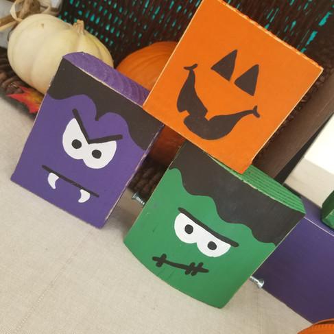 Mini Halloween blocks