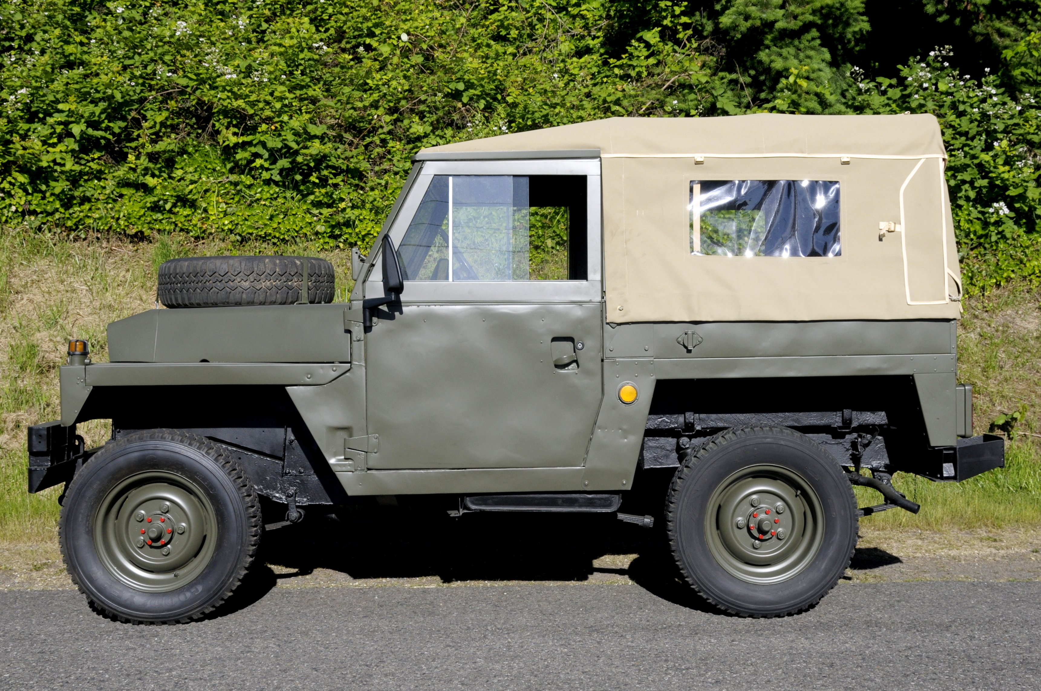 1980 Land Rover Series III Lightweight 8