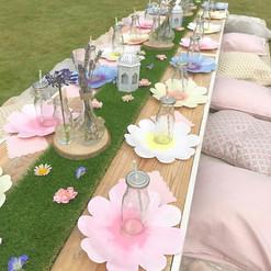 Pretty garden luxe picnic