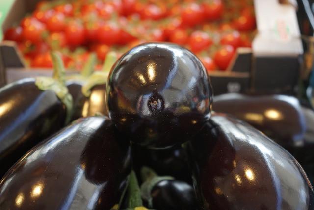 Znaš preveriti svežost jajčevcev v trgovini?