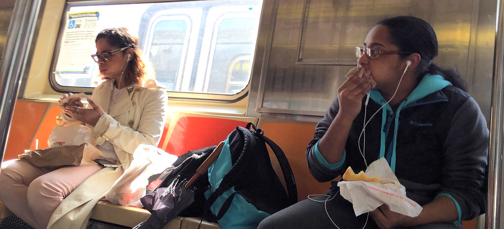 2 girls womanspreading across 4 seats while eating food on the train #2