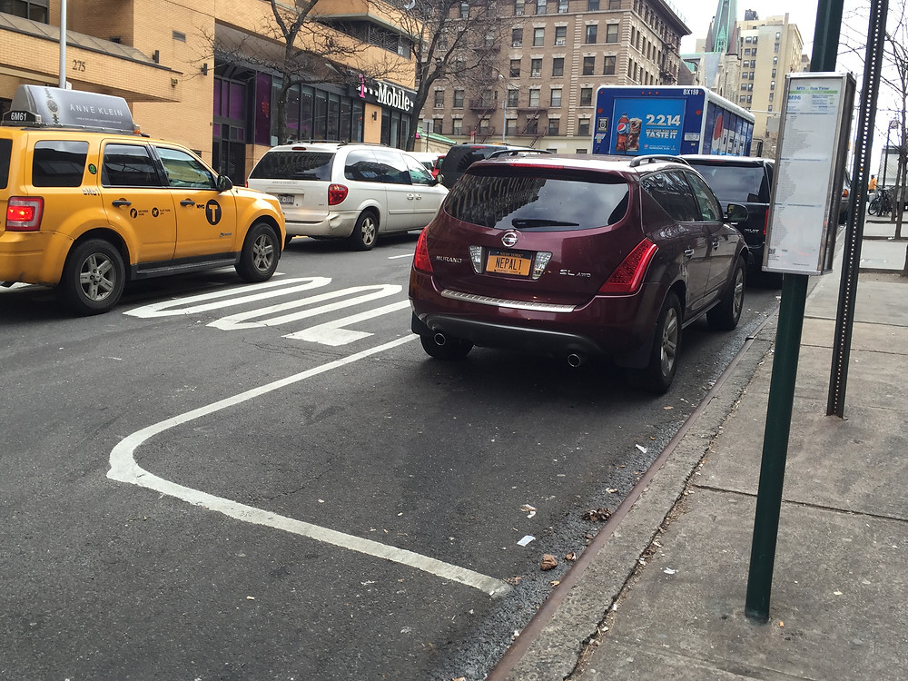 NYC Driver poorly parked leaving no room for people to park behind him