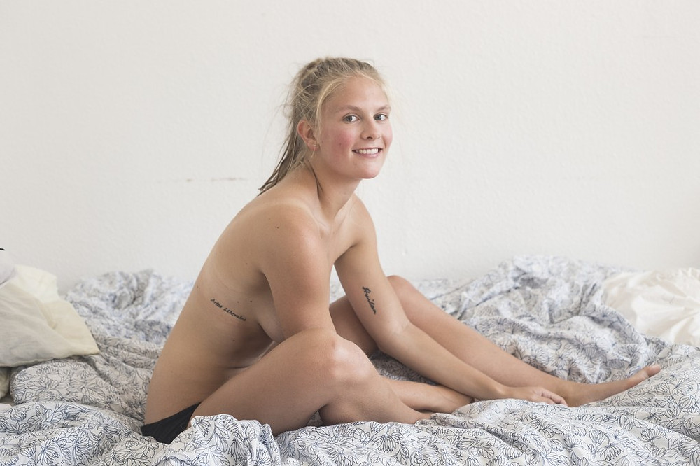 Anti-revenge porn activist Emma Holten consents to nude pictures #1