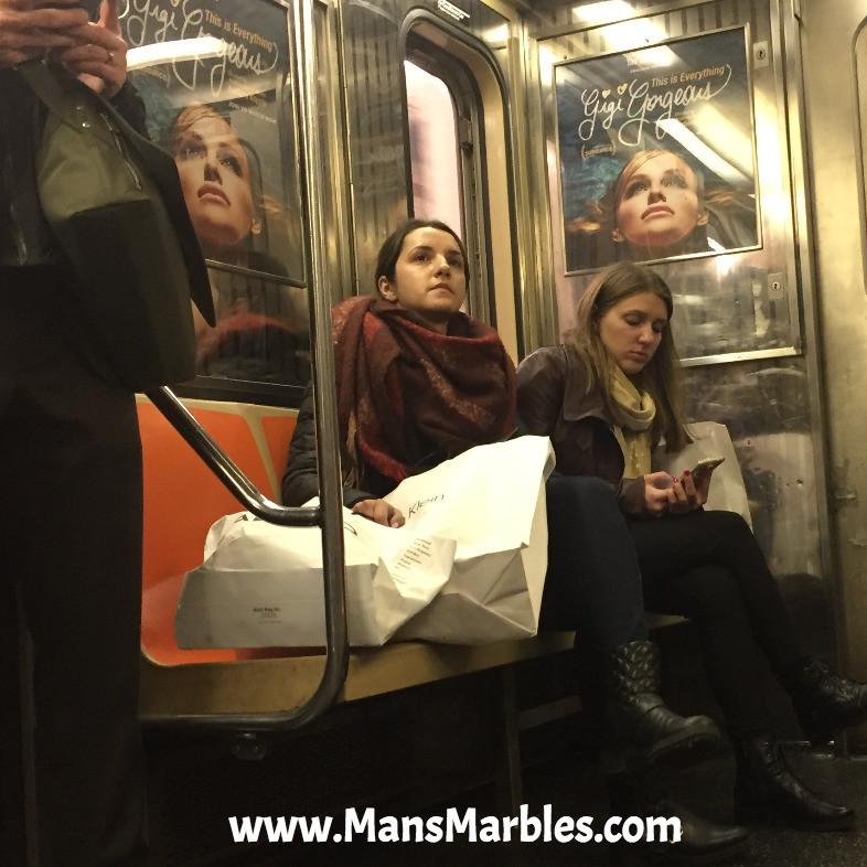 2 women hogging 4 seats bagspreading womanspreading