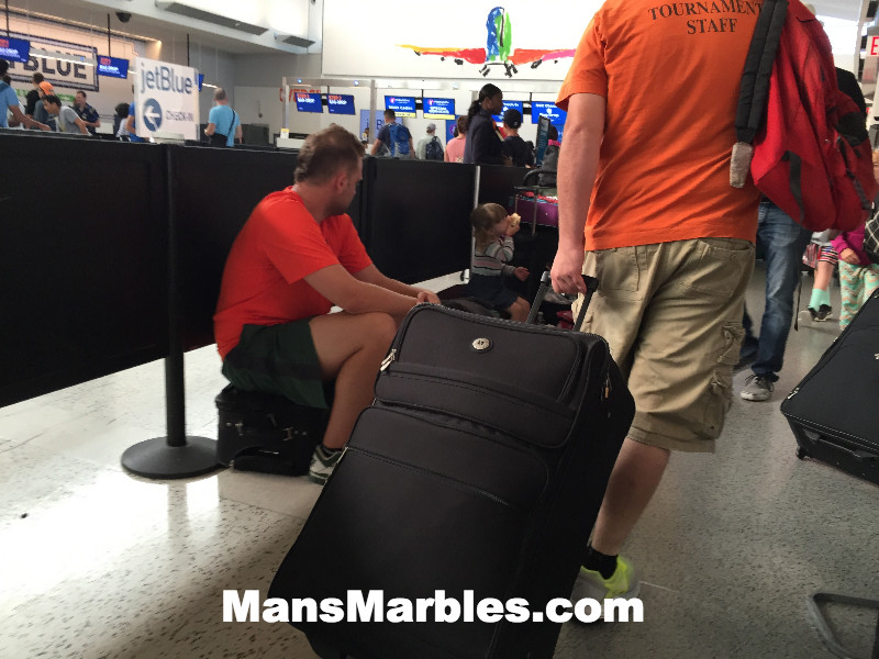 Passenger Shaming: Family camping out in walkway #2