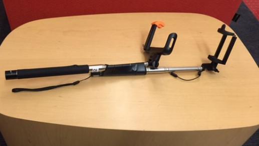 Geek.com's Will Greenwald's Narcisickstick - The selfie stick selfie stick