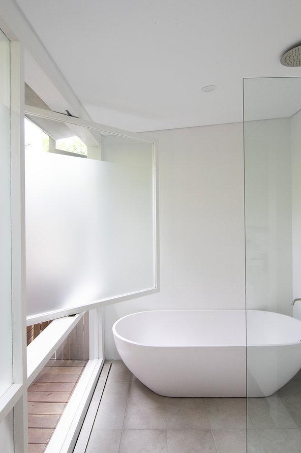 ssd studio_Deck House_Bath_1.jpg