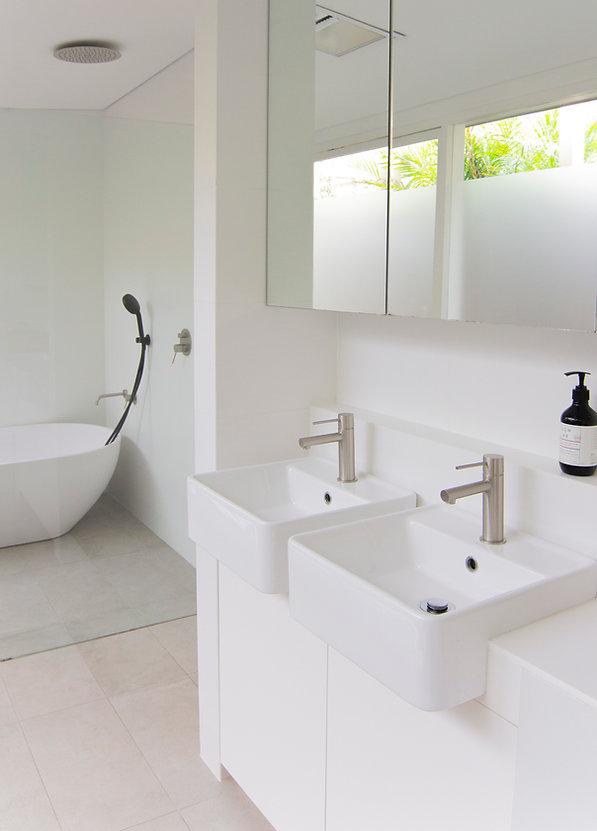 ssd studio_Deck House_Kitchen _ Bathroom