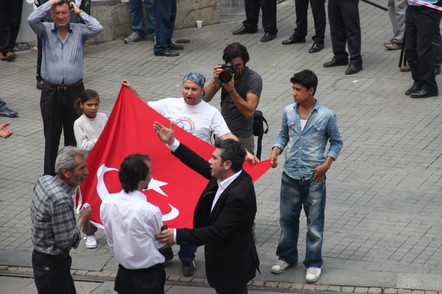 Protesters holding the flag, Gezi Protest, Istanbul 2013