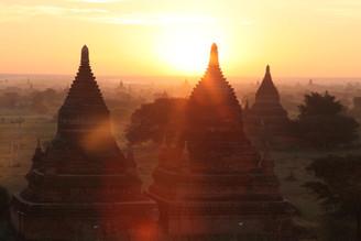 Myanmar temple sunrise