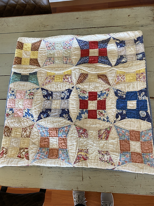 Vintage Quilted Scalloped Breakfast Sham