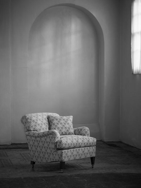 Small_bridgewater_armchair_2.jpg