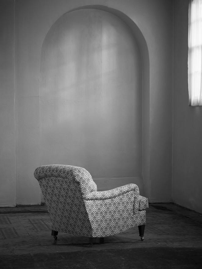 Small_bridgewater_armchair_3.jpg