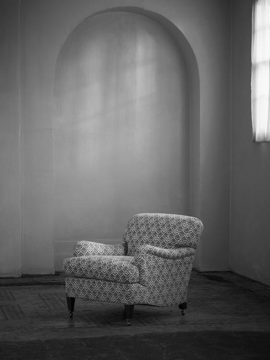 Small_bridgewater_armchair_4.jpg