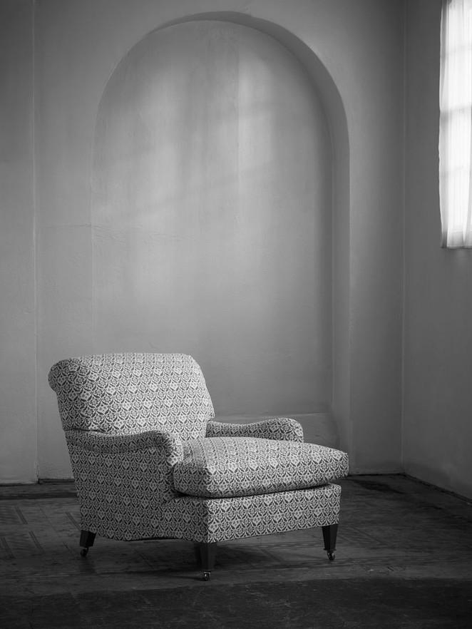 Ivor_armchair_1.jpg