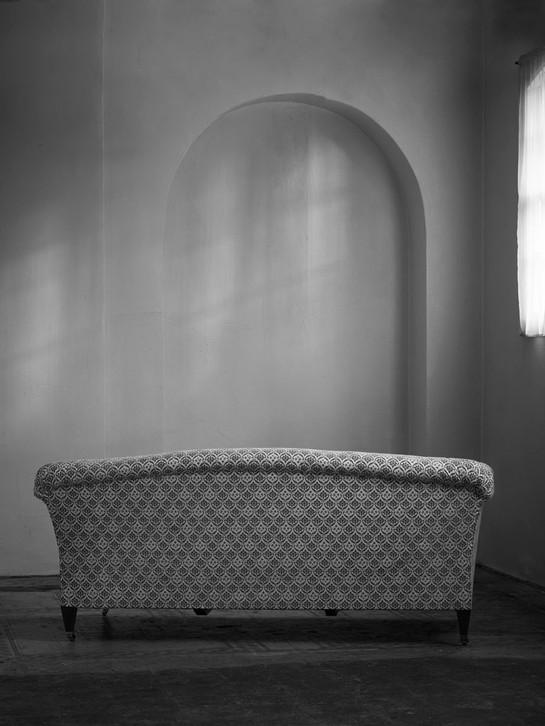 Chaplin_sofa_2.jpg
