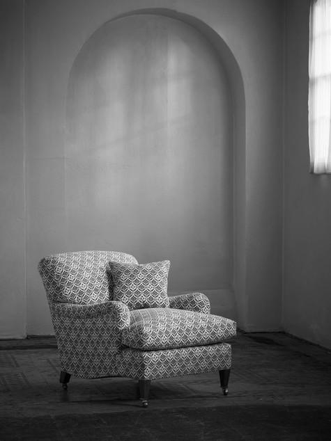 Harley_armchair_2.jpg