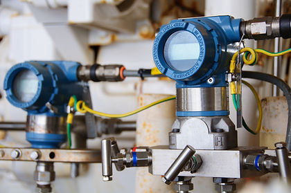 Pressure transmitter in oil and gas proc
