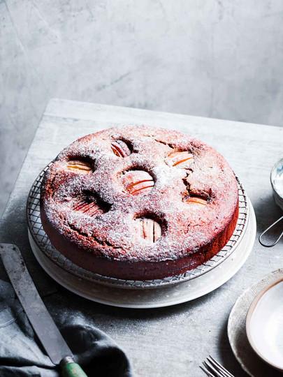 Apple tea cake styling