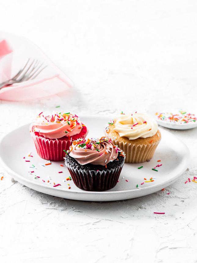 mixed varities cupcakes_-8.jpg