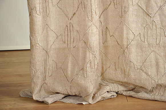 MCA 120 14501 EMBROIDERY SHEER CR