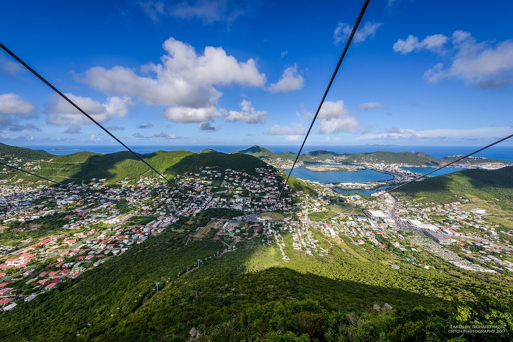 steepest biplane in the world the Flying Dutchman in saint Maarten