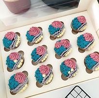 Baked Fluffy Vanilla Cupcakes