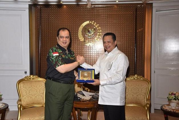 ketua-dpr-bambang-soesatyo-menerima-pengurus-himpunan-pengusaha-putera-_180420154150-331.jpg