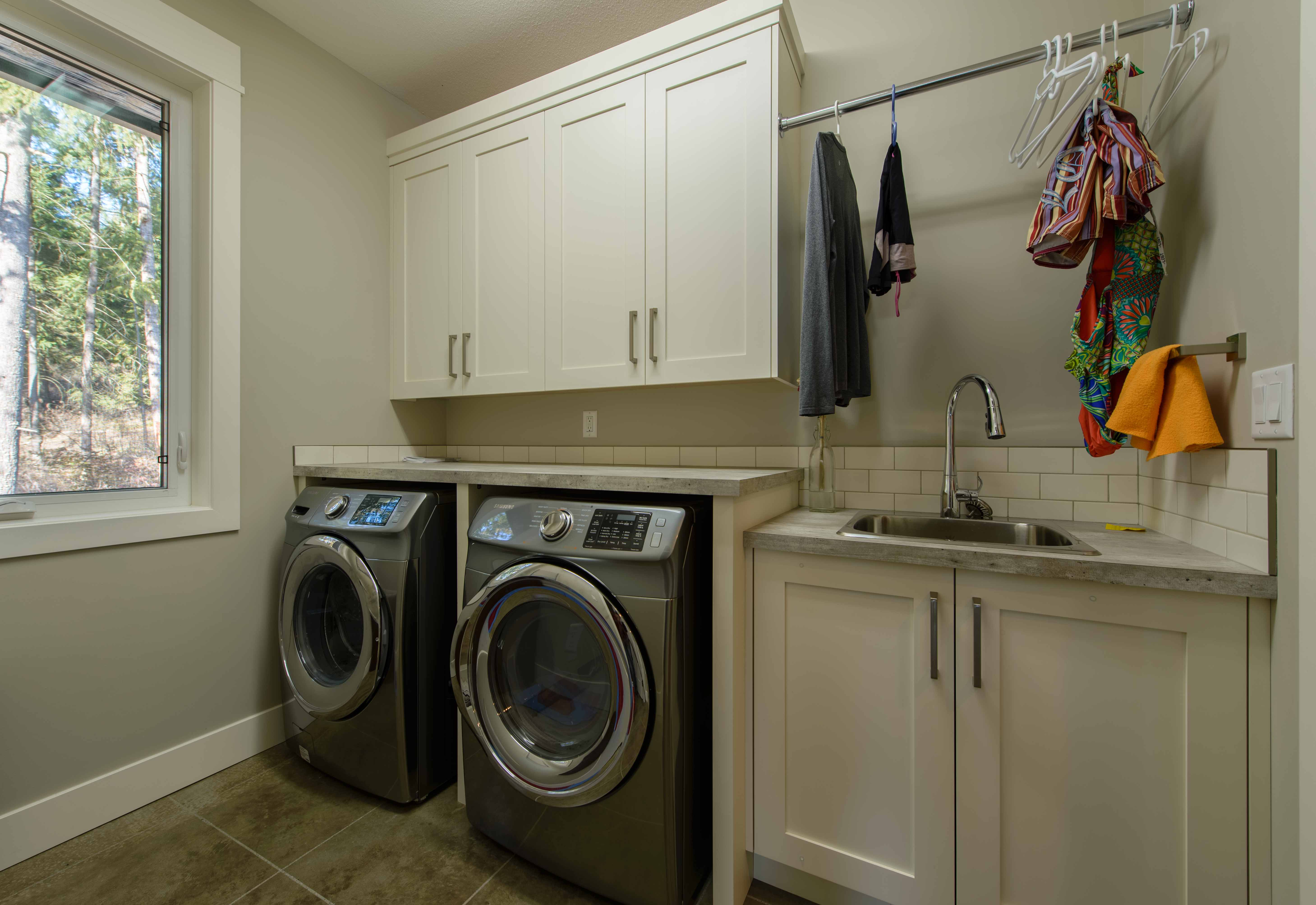Laundry room cupboards & cabinetry
