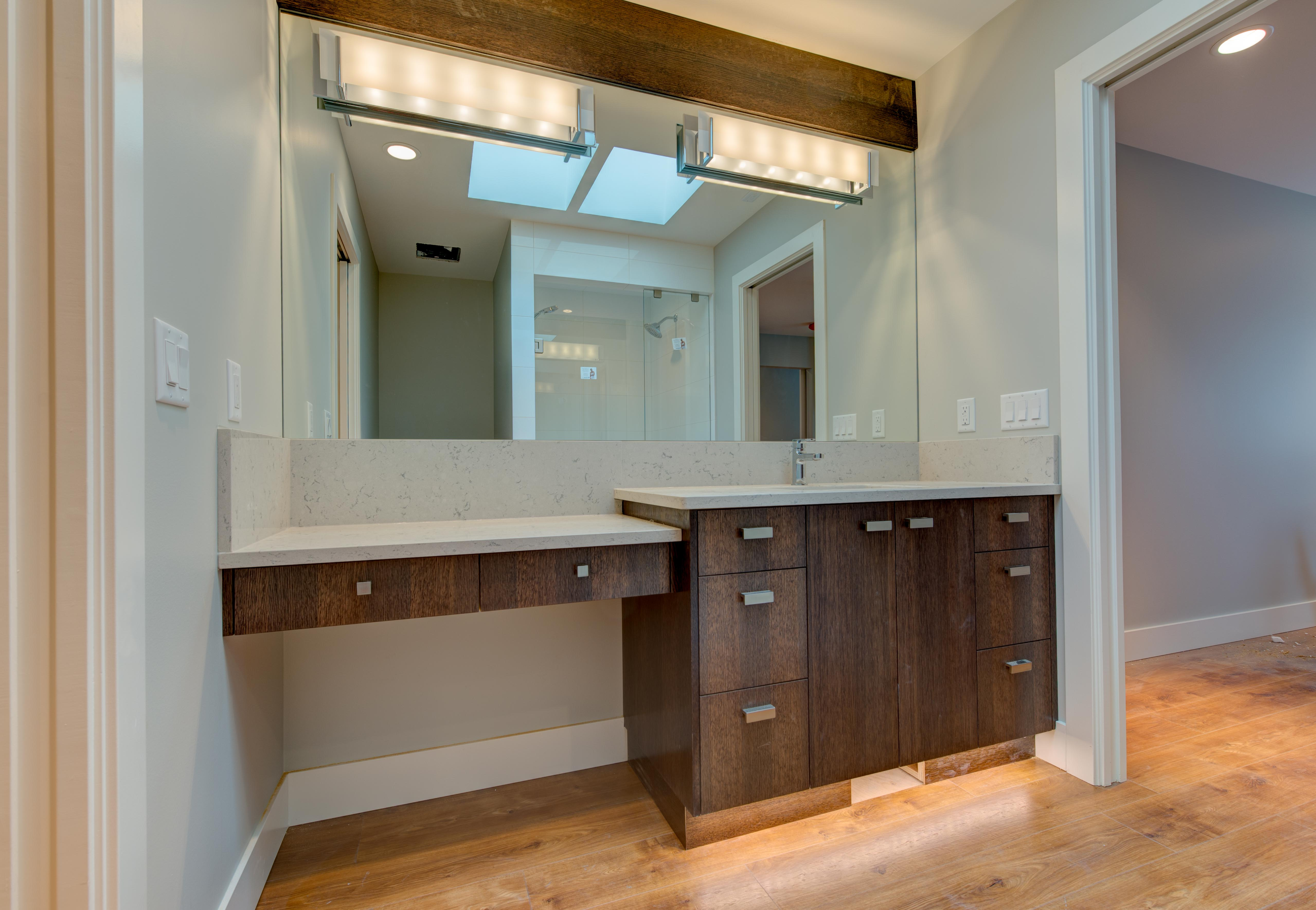 Bathroom vanity & cupboards
