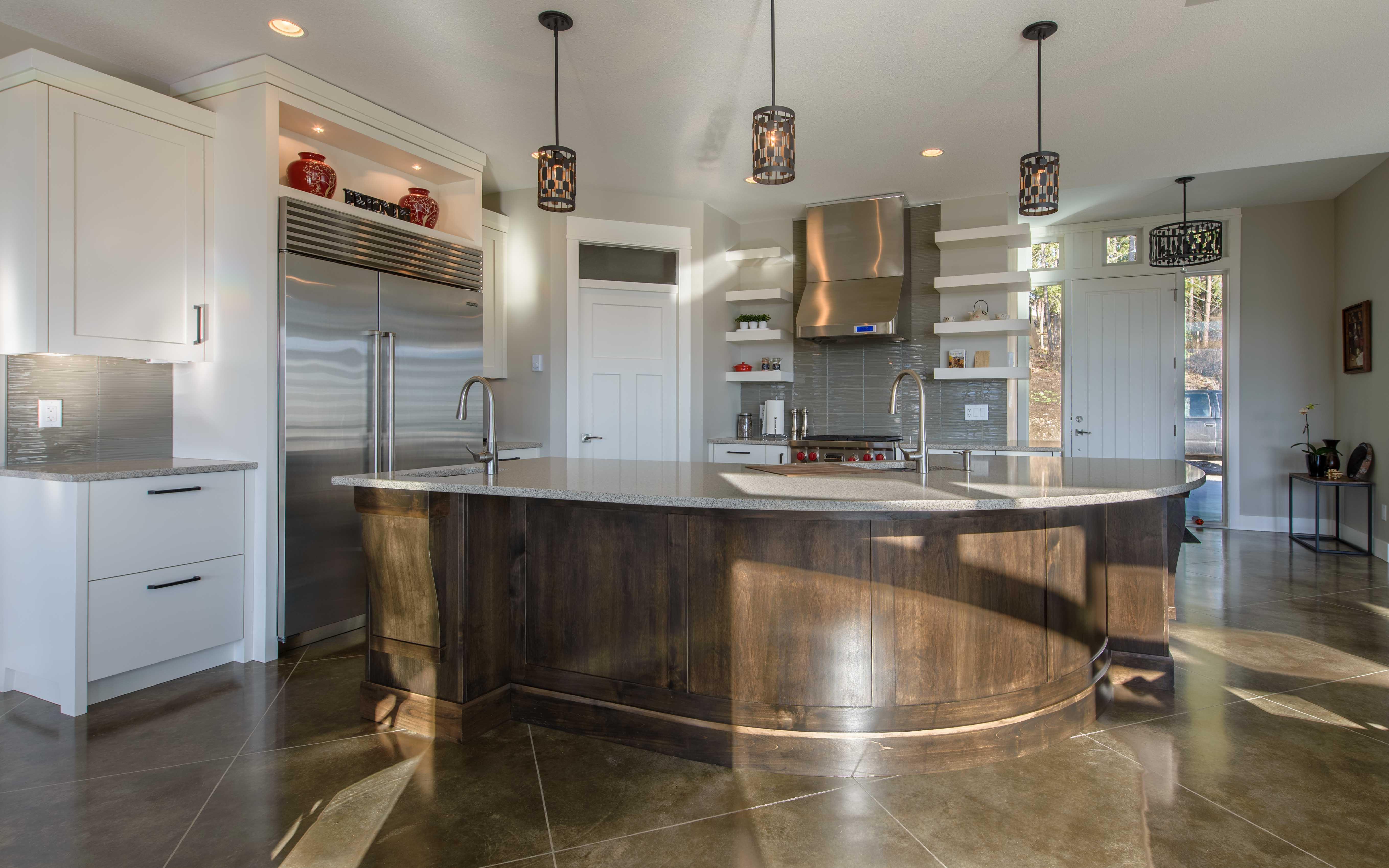 Modern, bright kitchen