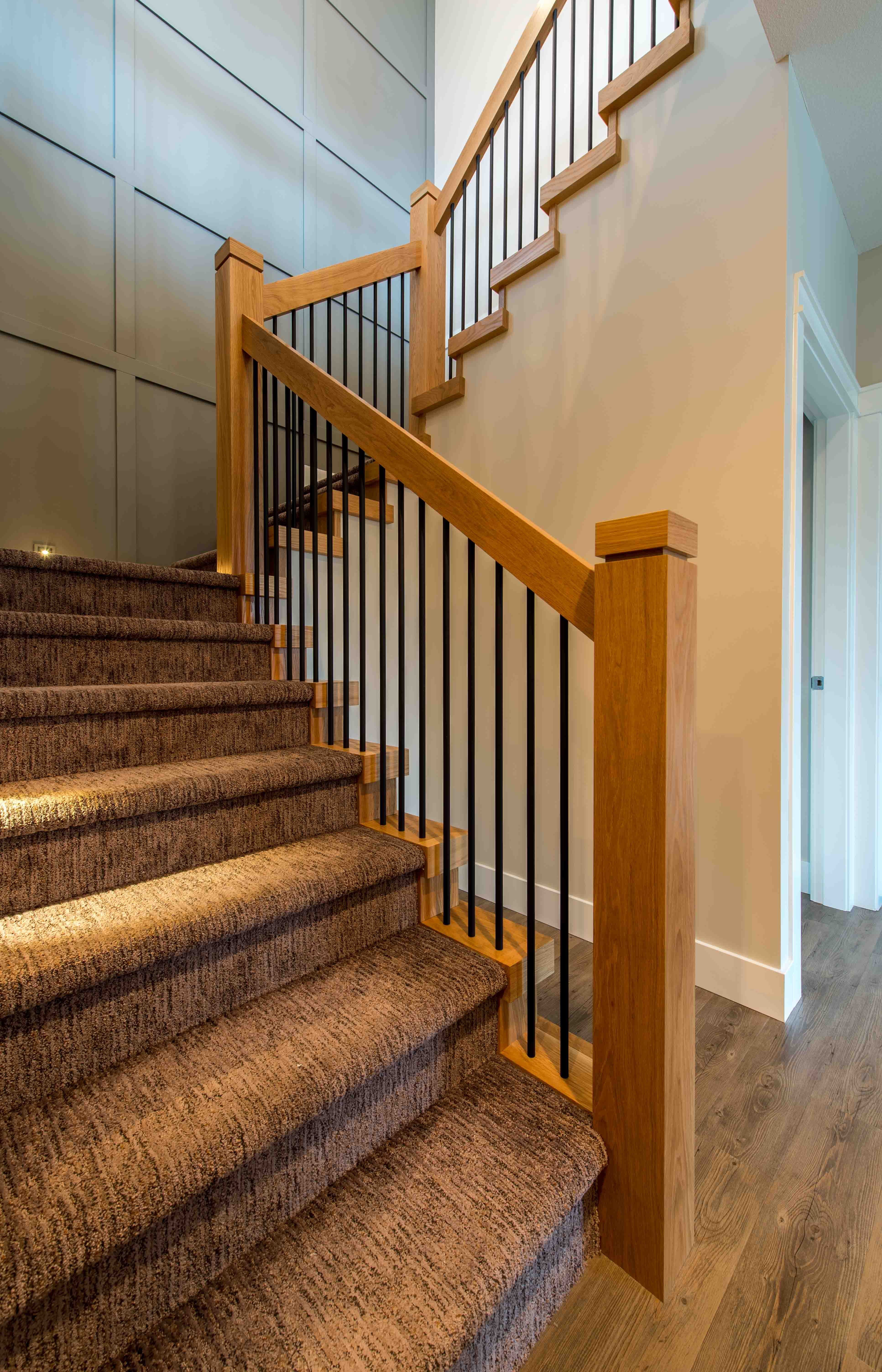 Contemporary wood handrail