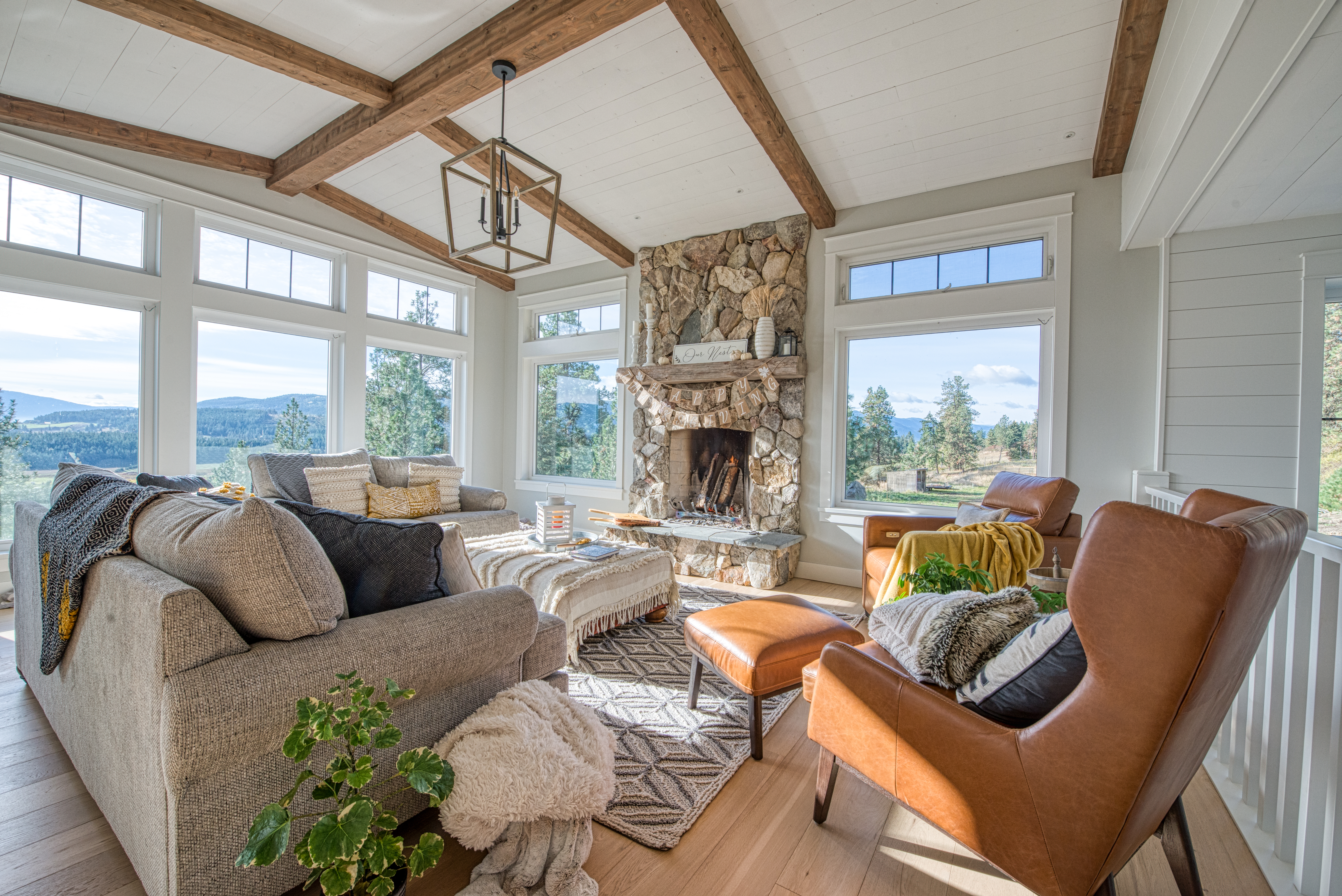 living room off the kitchen exposing amazing valley view