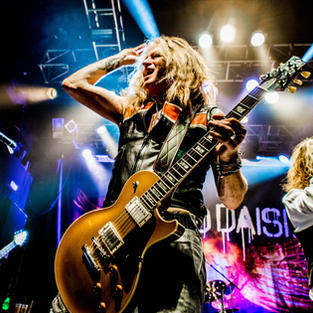 The Dead Daisies + The Treatment + The Amorettes