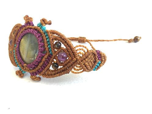 Bracelet With Amethyst - Brass - Labradorite - Handmade Macrame (With Slipknot)