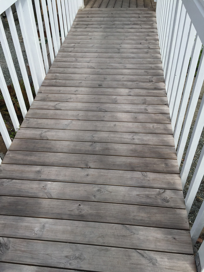 Thermory Aged Pine Deck