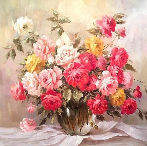 Букет роз в стеклянной вазе