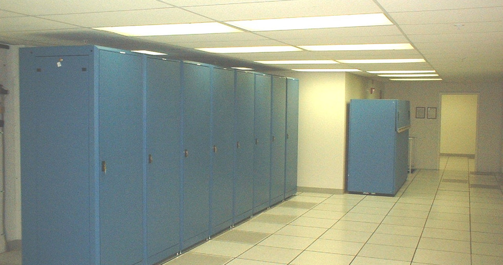 8th flr data center-2 11-9-04.JPG